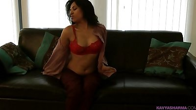 Striptease porn video of indian amateur babe kavya filmed in lounge