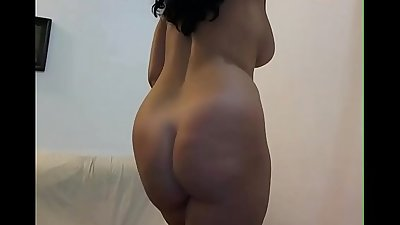Indian bhabhi with hot curved ass ready for anal sex